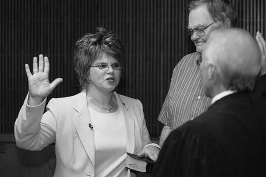 Virginia Hillman Takes the Oath of Office